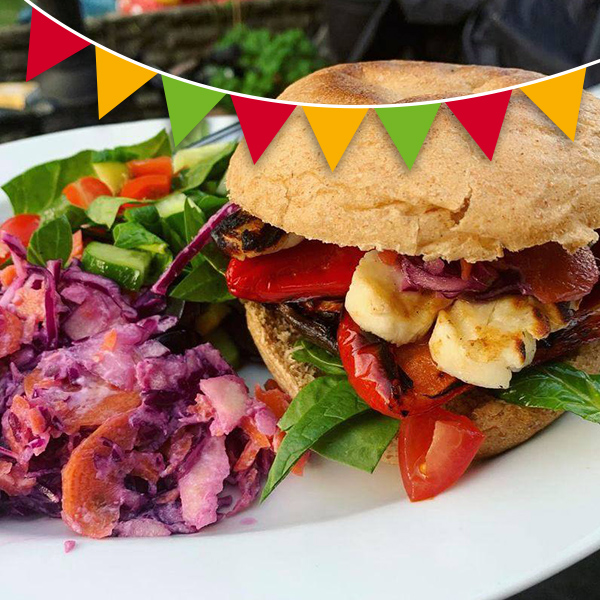 Halloumi burger, salad and coleslaw - Slimming World BBQ recipes-Slimming World blog